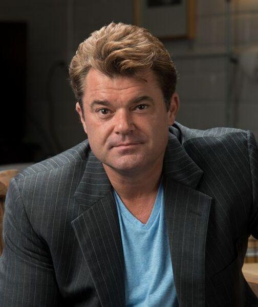 Dean Lindsay 2018 Headshot